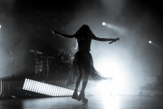 09292018_chvrches_stephaniedore_14