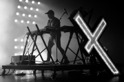 09292018_chvrches_stephaniedore_44