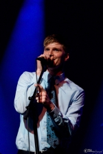 Tommy Simmons at The Triple Door (Photo: Mocha Charlie)