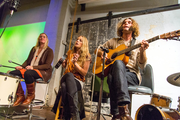 Seattle Living Room Shows and Melodic Caring Project: Hannalee (Photo by Greg Roth)
