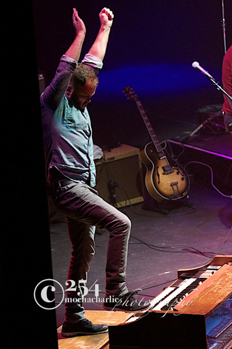 Allen Stone Live @ The Paramount – 12/7/12 (Photo by Mocha Charlie)