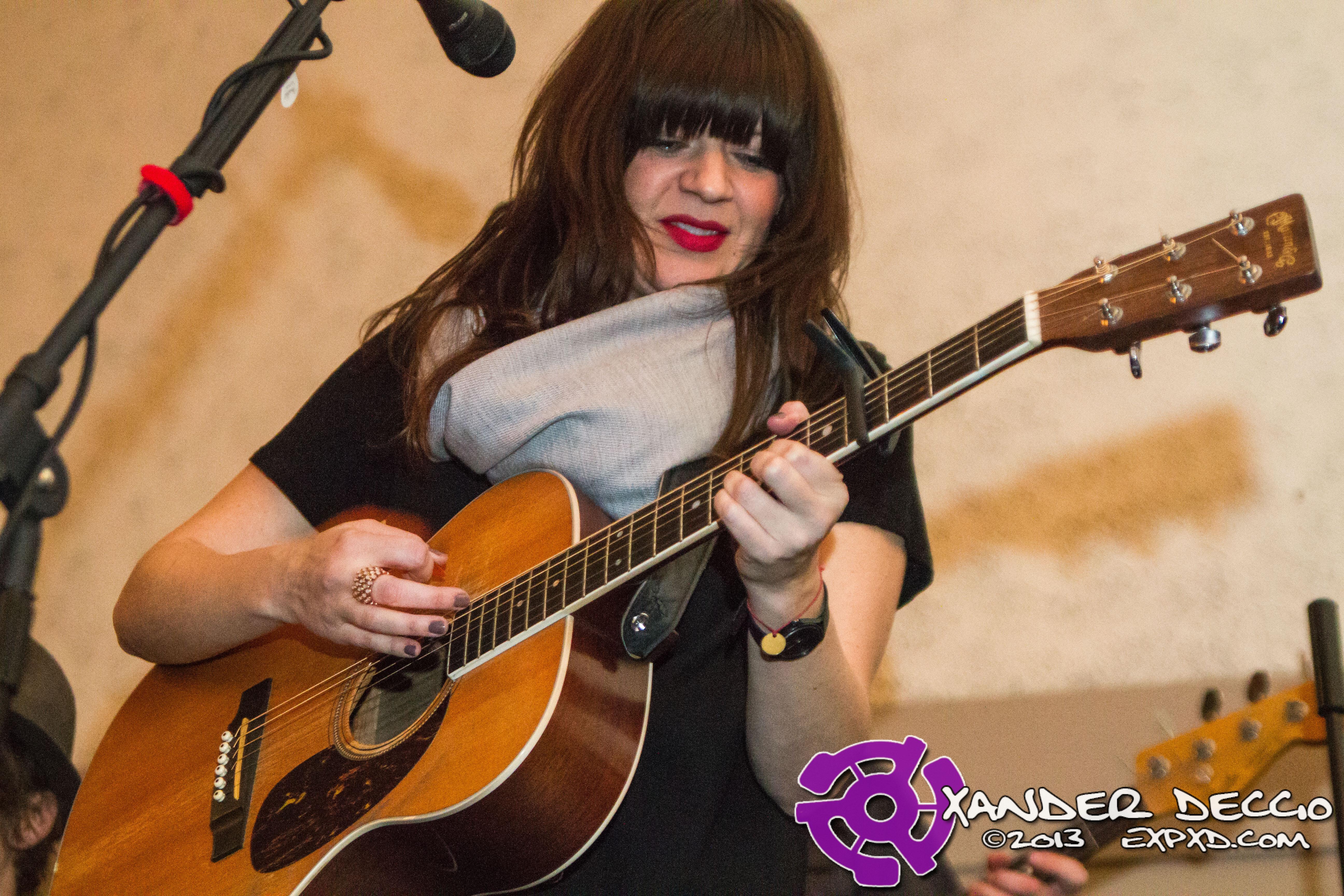 Shelby Earl @ The Seasons Performance Hall (Photo By Xander Deccio)