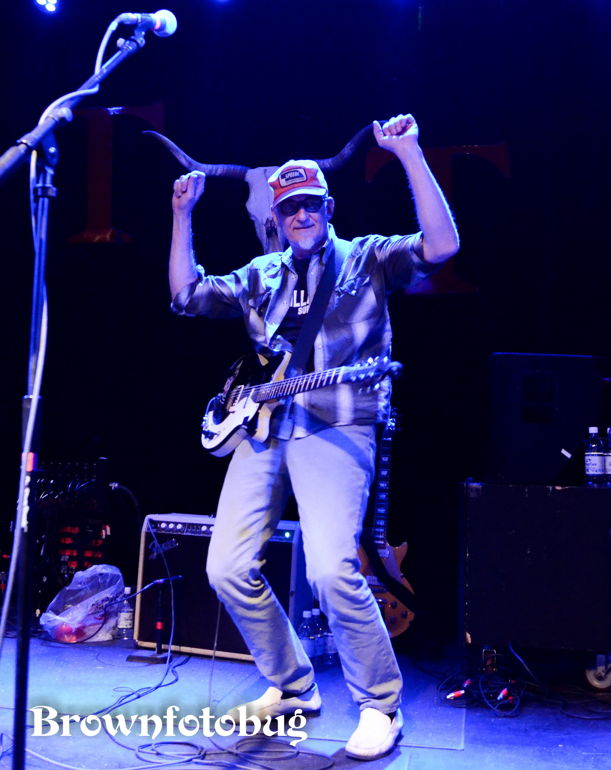 King of Hawaii and Southern Culture on the Skids (Photo by Arlene Brown)