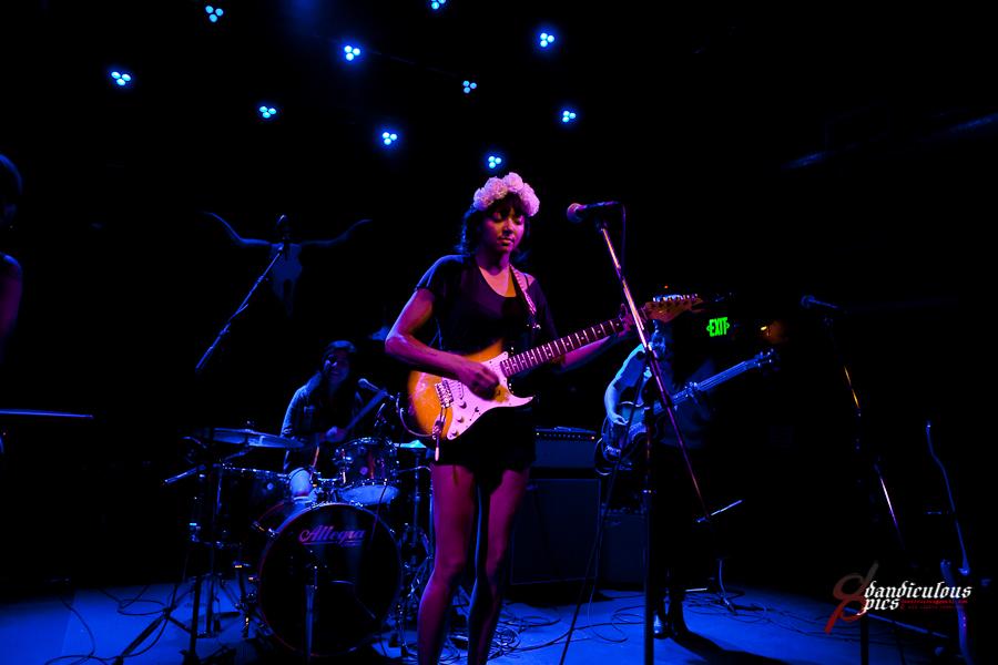 Oso Benefit: La Luz Live at Tractor Tavern (Photo by Dan Rogers)