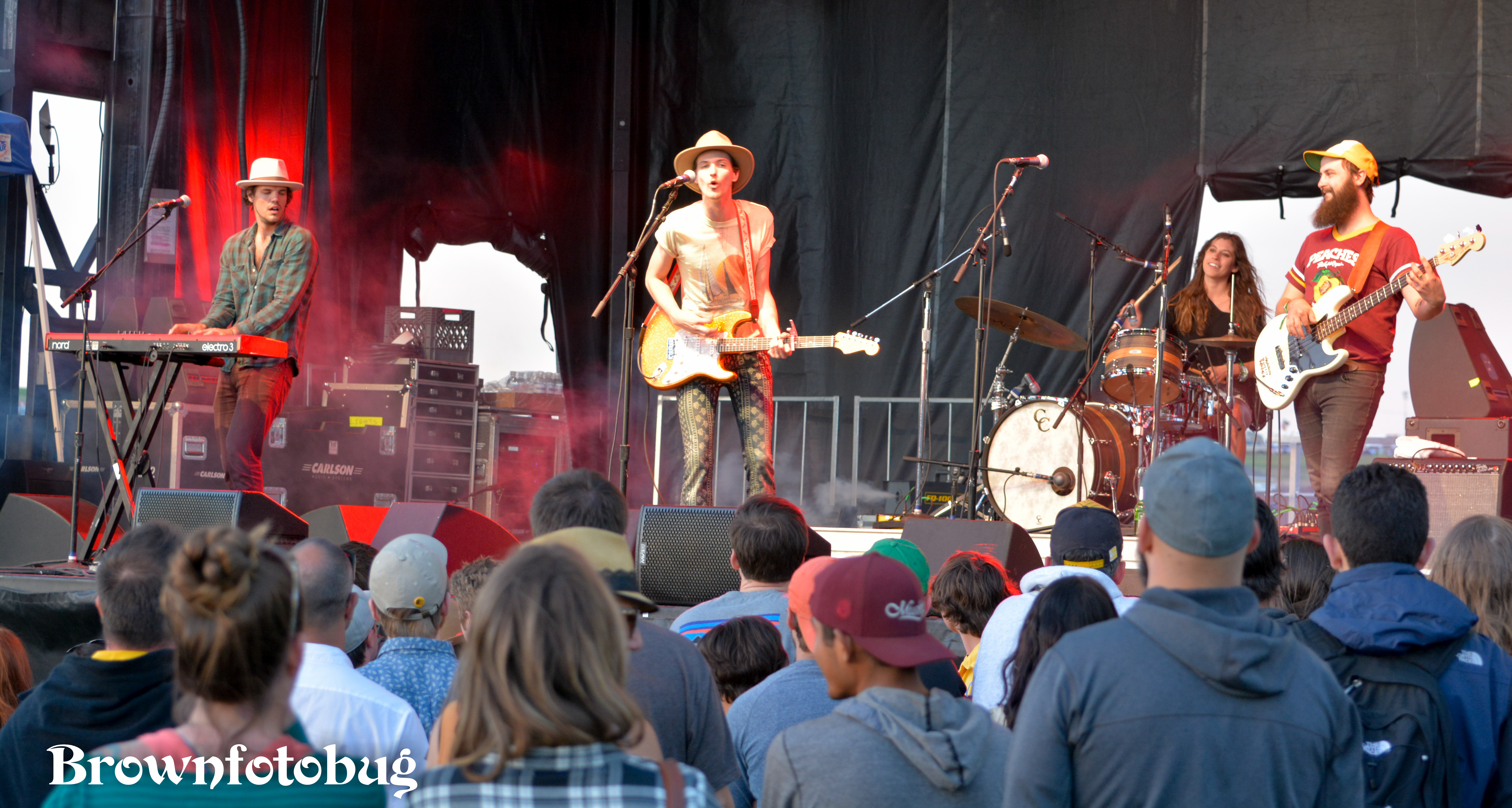 Houndmouth Sasquatch! Festival Day 1 (Photo by Arlene Brown)