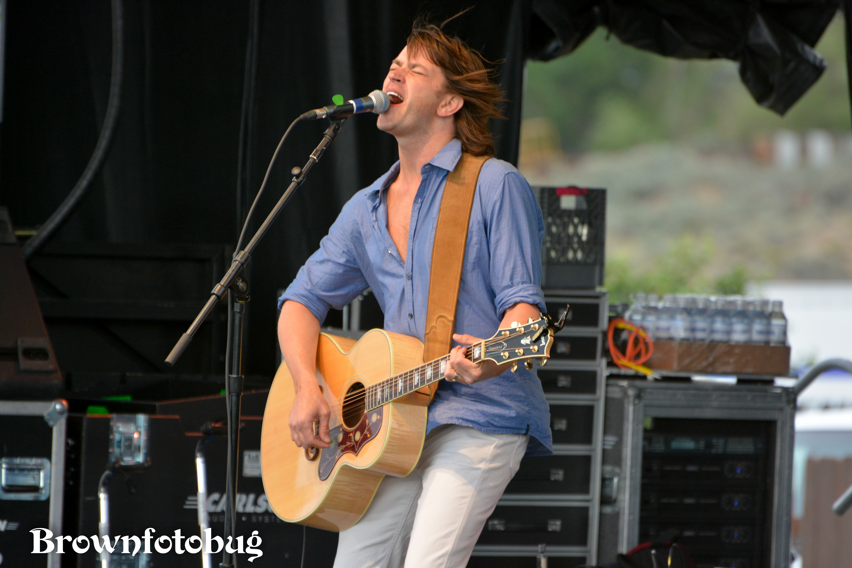 Rhett Miller at Sasquatch! Festival Day 1 (Photo by Arlene Brown)