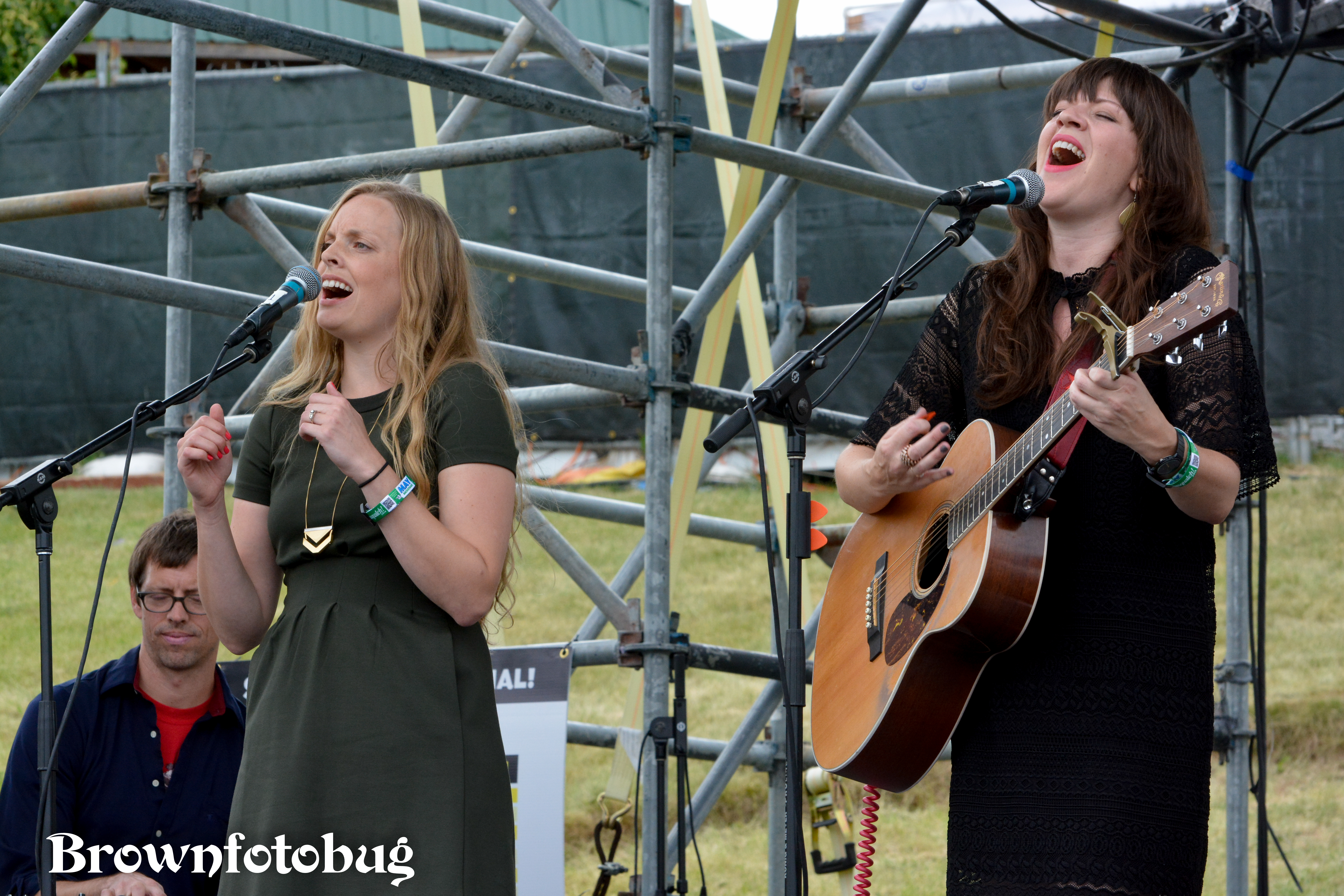 Shelby Earl at Sasquatch! Festival Day 3 (Photo by Arlene Brown)