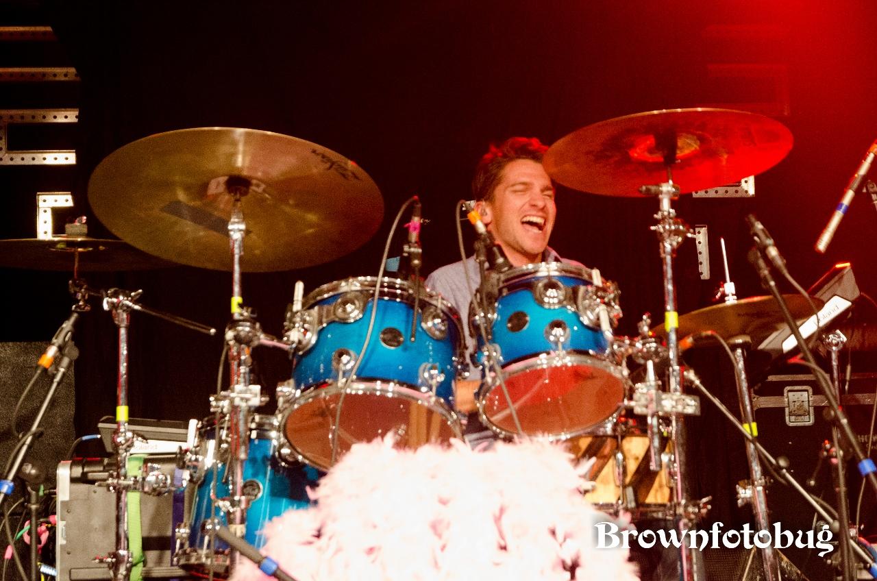 HOLYCHILD Live at Showbox SoDo (Photo by Arlene Brown)