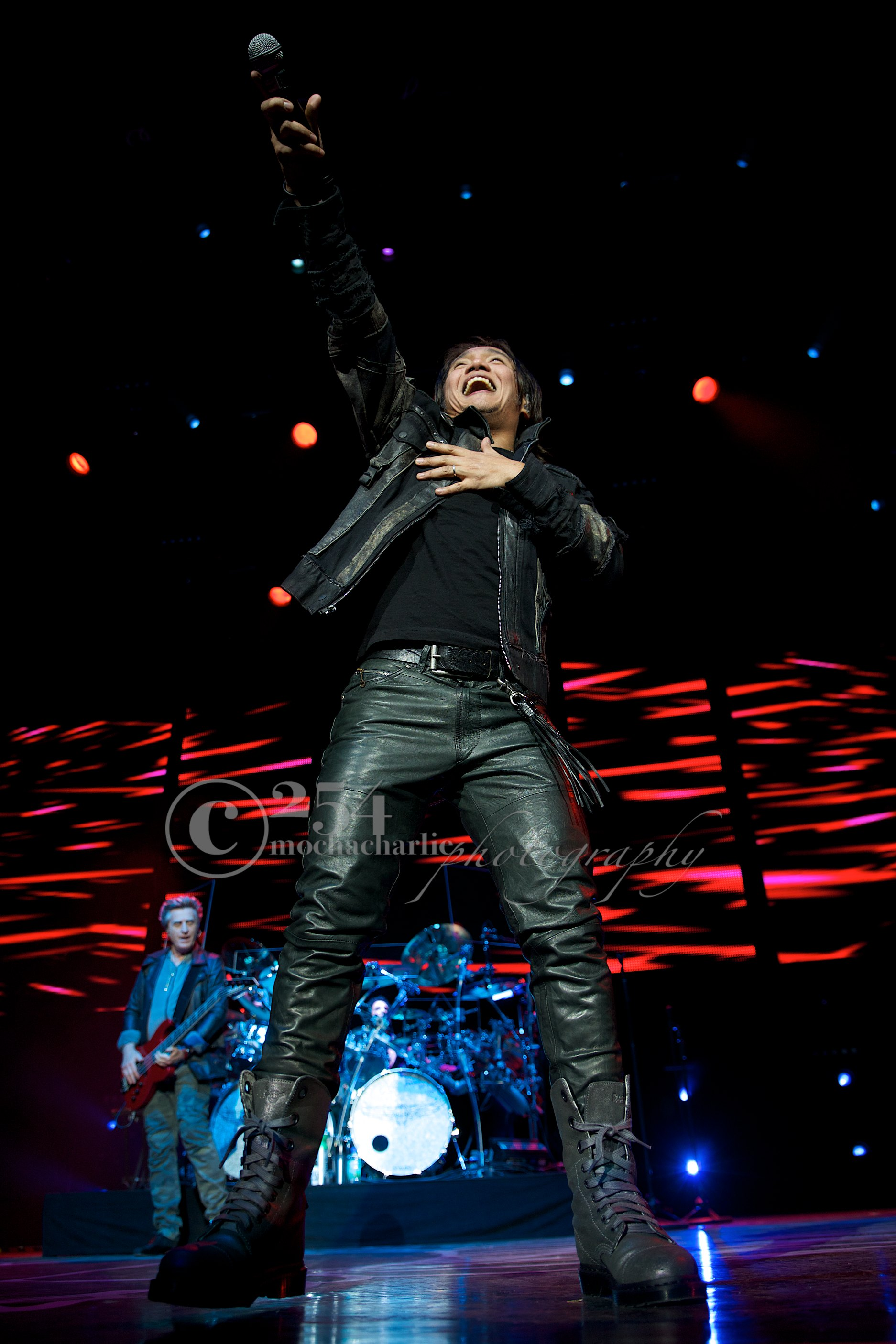 Journey at White River Ampitheater (Photo by Mocha Charlie)