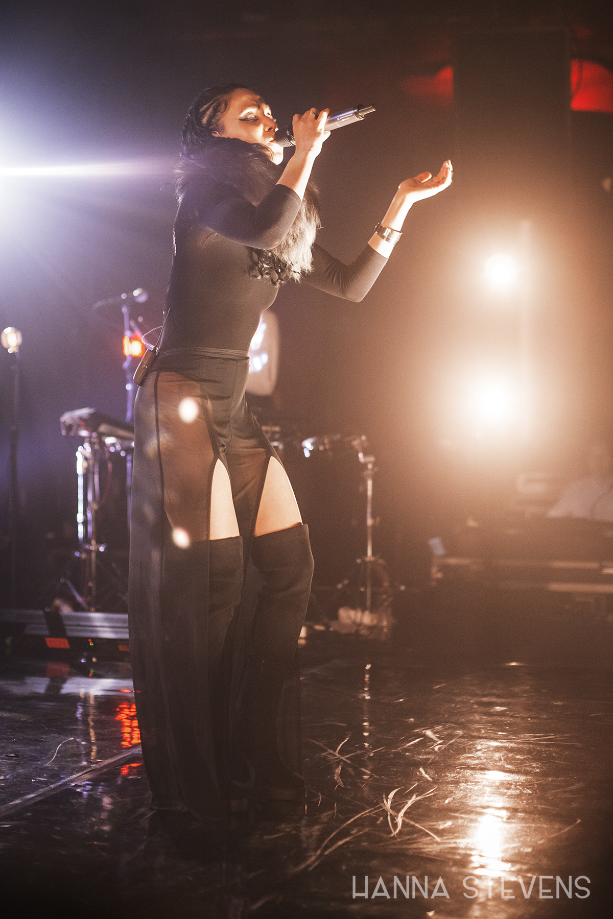FKA Twigs at The Showbox (Photo by Hanna Stevens)