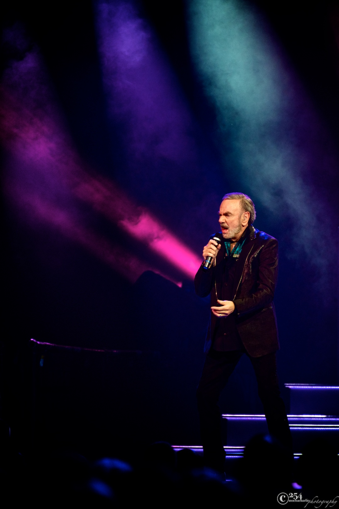 Neil Diamond at KeyArena (Photo by Mocha Charlie)
